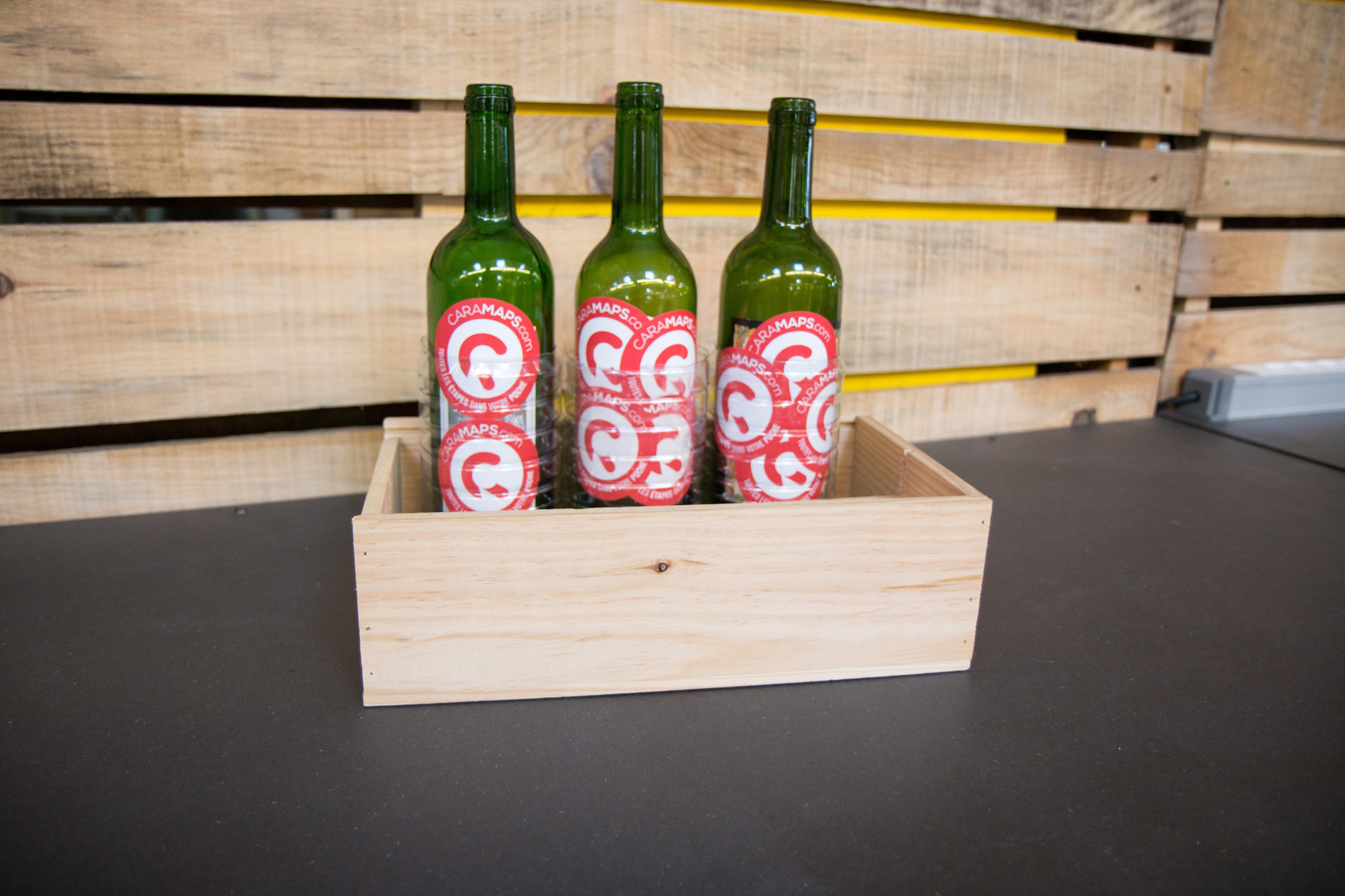 stop aux bouteilles en verre qui s 39 entrechoquent caramaps. Black Bedroom Furniture Sets. Home Design Ideas