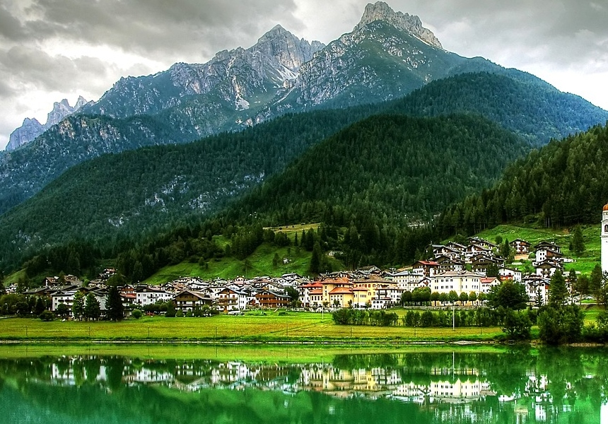 lagos de los Dolomitas en autocaravana