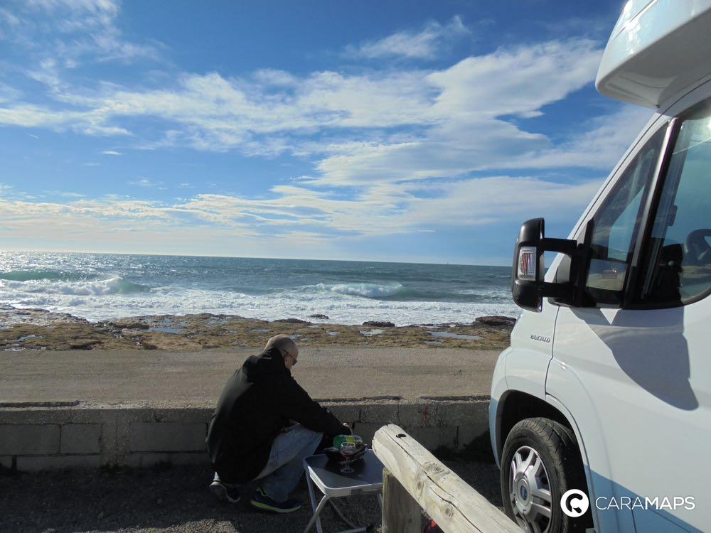 voyager en camping-car en bord de mer