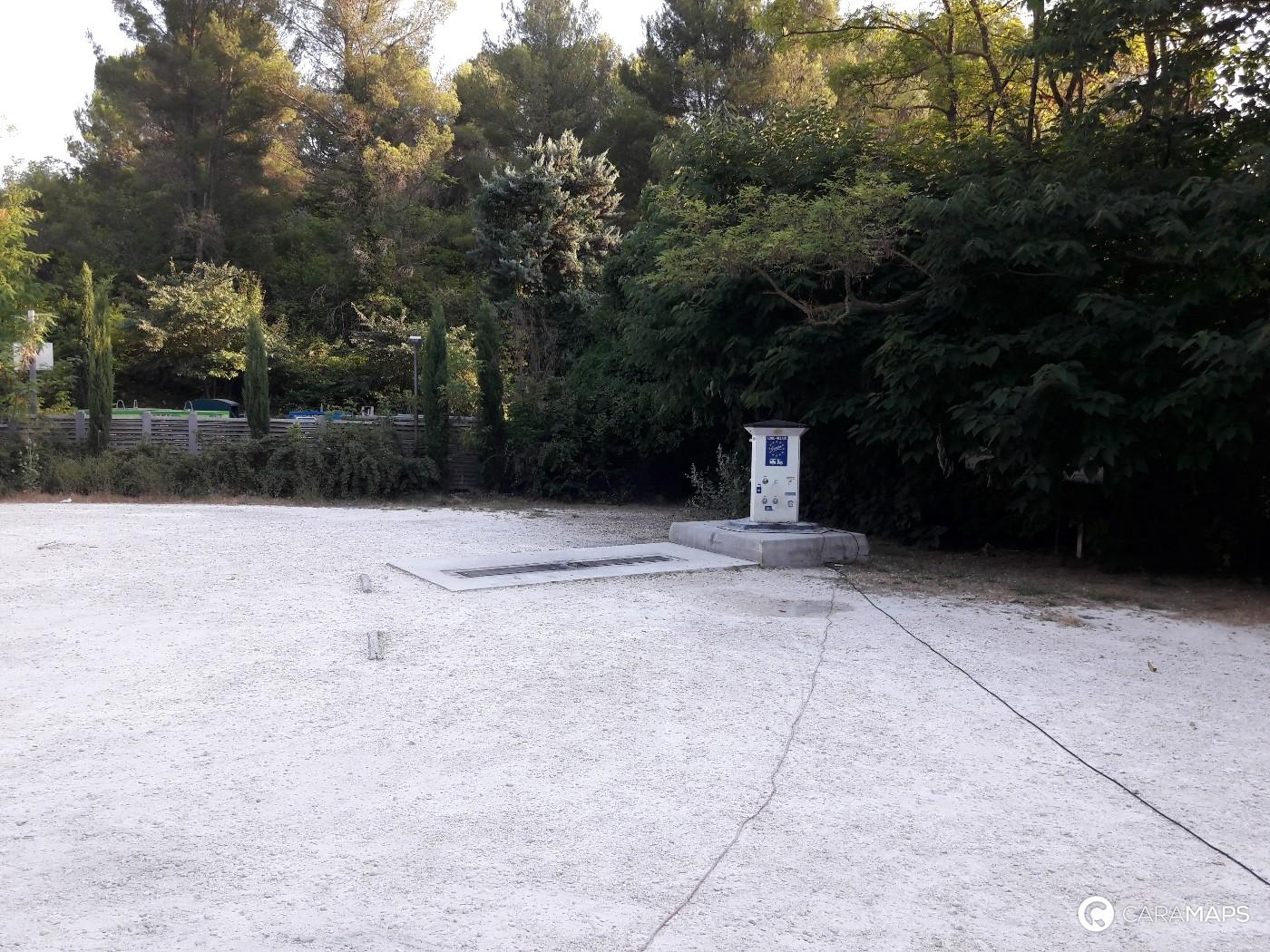 Discover Aire Camping Car Park De Fontaine De Vaucluse A