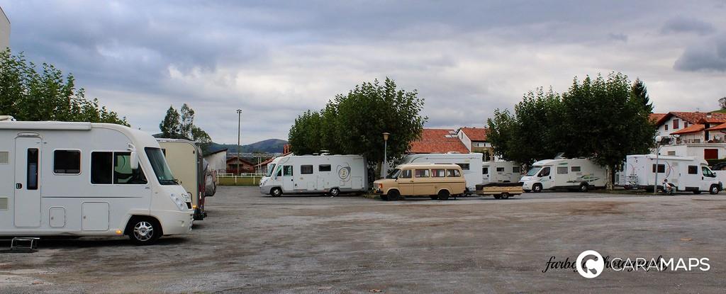 D couvrez aire de services de st jean pied de port une - Camping st jean pied de port avec piscine ...