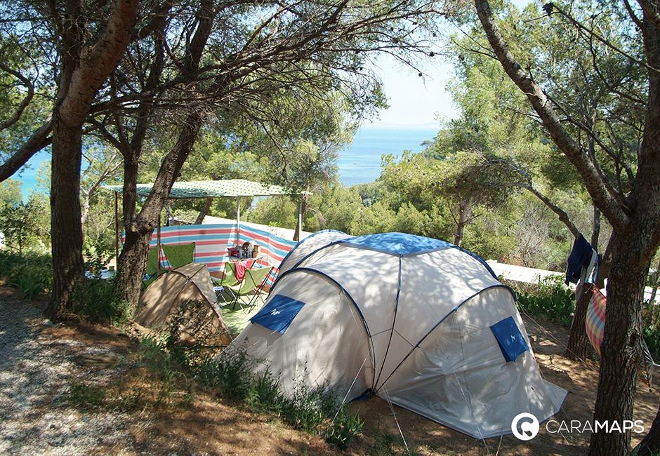 D couvrez camping camp du domaine une tape caramaps for Camping bormes les mimosas piscine