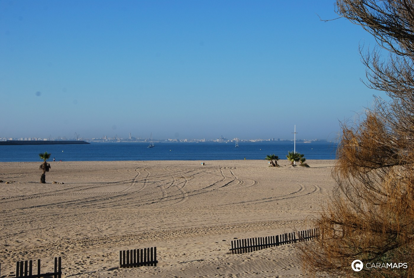 D couvrez camping de las dunas de san ant n une tape for Camping el jardin de las dunas