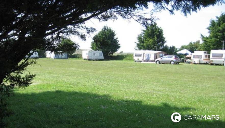 D couvrez camping la ferme des marais une tape caramaps for Camping a la ferme auvergne piscine