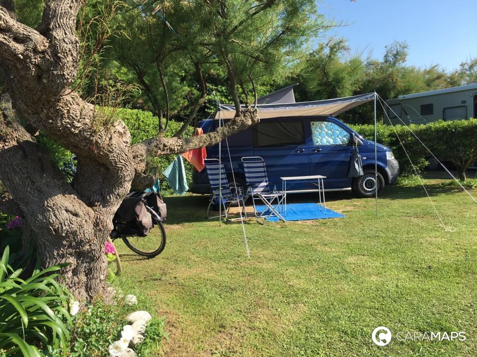 D couvrez camping le bord de mer une tape caramaps for Camping st jean de luz bord de mer avec piscine