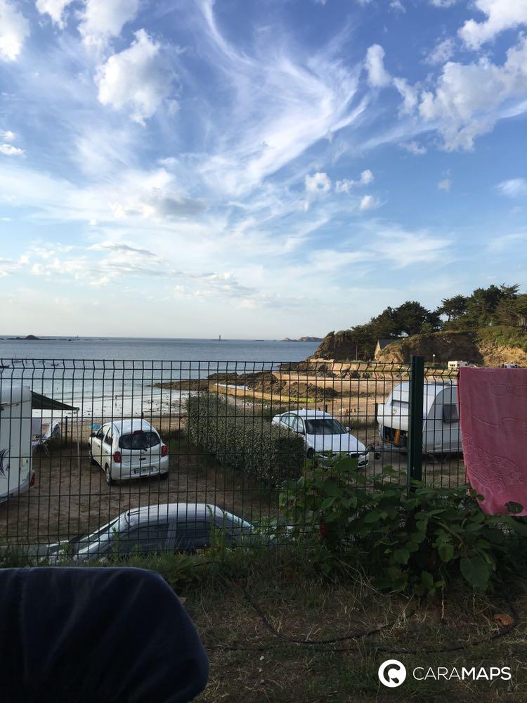 D couvrez camping municipal le port blanc une tape caramaps - Camping le port blanc dinard ...