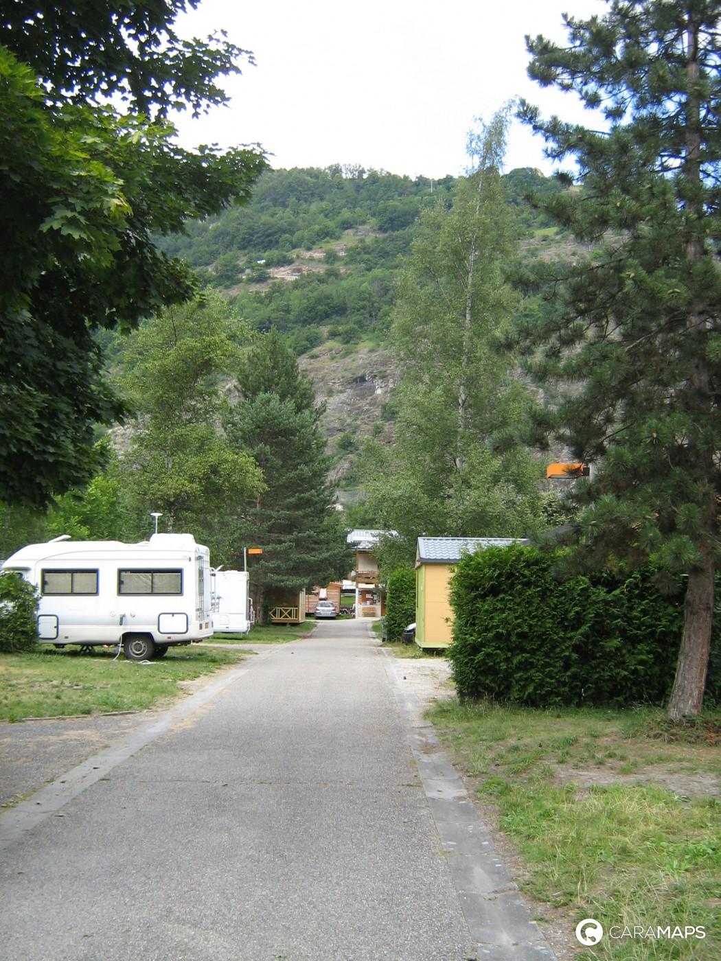 D couvrez la cascade une tape caramaps for Camping la piscine bourg oisans